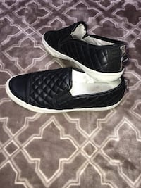 140$~GEOX*quilted leather slip-on shoes size 6.5-7**these are just amazing with any outfit gently used