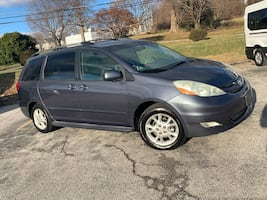 2006 Toyota Sienna XLE Limited fully loaded Maryland state inspected $4900 or best offer