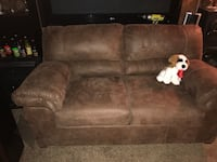 Leather love seat  Palmdale, 93550