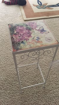 White and pink floral wooden table Fairfax, 22030