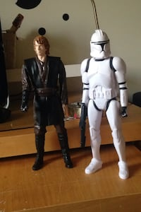 2 big Star Wars action figures  Whitby, L1N 9P5
