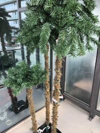 LED palm tree decoration about 6 feet tall Toronto