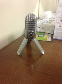 black condenser microphone with stand Mississauga, L4Z