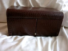 Jewelry or make up faux leather maroon case