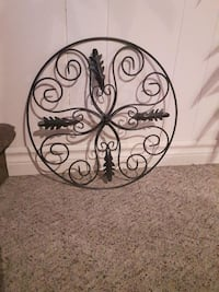 Metal hanging wall decoration