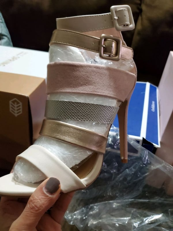 Size 7.5  all 3 pairs heels   All brand new in the Box 40bfb023-d0a6-4b93-a152-1adc1e35fab8