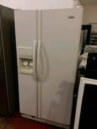 Side by side refrigerator excellent condition