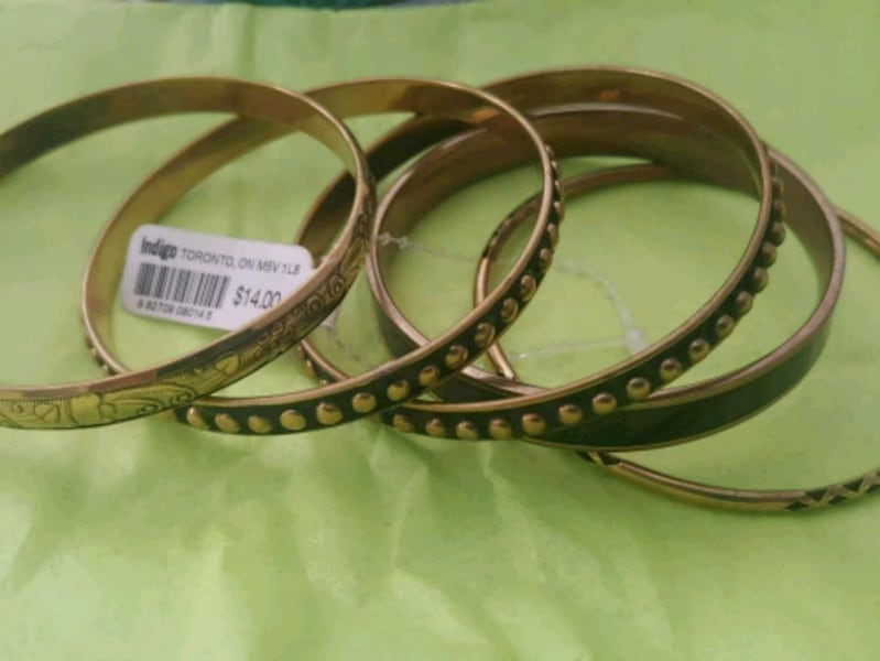 Fun Black & Gold Fashion Bangles  434dc1c4-9b33-4a6a-88b9-faaccf14d735
