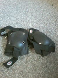 Pair of black Bell knee pads Winnipeg, R2X