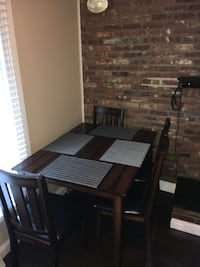Dining Table and chairs (4) (Fort Knox/Etown) LOUISVILLE