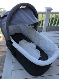 Baby Jogger Deluxe bassinet