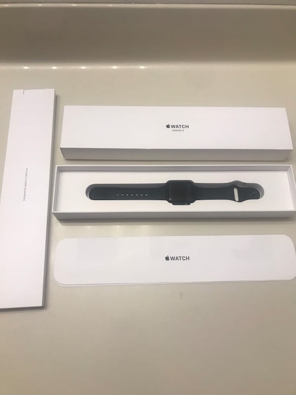 APPLE WATCH SERIES 3 SPORT BAND BLACK SPACE GRAY ALUMINUM 38 MM f6b65b51-2c30-4e1d-a480-00b2856f49a5