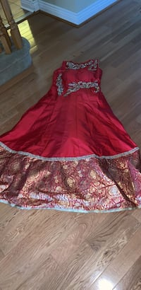 Woman's Indian Wedding/Reception Outfit Aurora, L4G 7P1