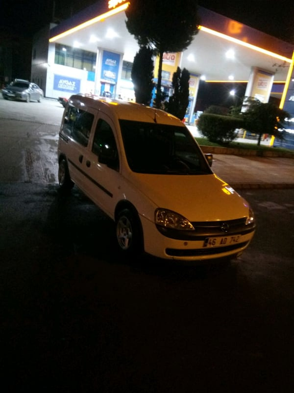 Opel - Combo - 2003 70d20afe-07be-4ef9-bfee-334b98b15dca