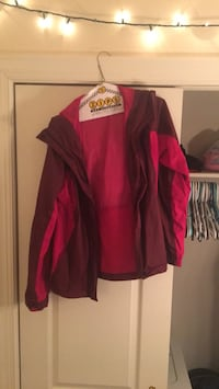 red and black zip-up jacket 66 km