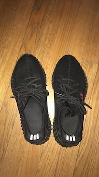 (Moderately worn) yeezy's 350 boost v2 pirate black. CASH ONLY Arlington, 22201
