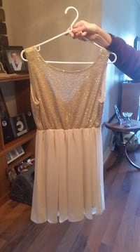 Sequinned party dress / formal dress Moncton, E1A 2L3