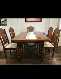 Solid Oak Wood Dining Table w/extension Toronto, M6M 3T8