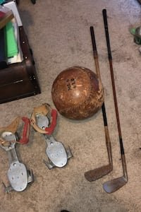 Antique/vintage golf clubs, rollerskates and 6lb leather medicine ball Calgary, T2Y 2W5