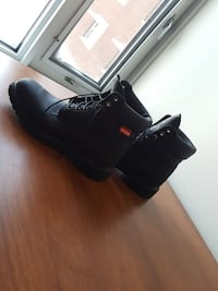 Pair of black leather work boots Ottawa, K1S