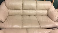 Set of 3 leather couches. Price negotiable  Montreal, H4L