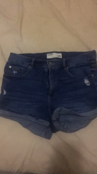 women's blue denim short shorts Toronto, M2M 0A8