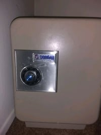 white front-load clothes dryer Los Angeles, 90034