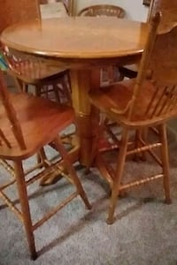 Wooden Table and chair set Tuscaloosa, 35405