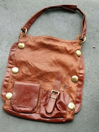 D and g  brown leather purse Toronto, M2J 1L4