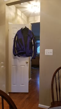 Motorcycle jacket xxl include armour and removable lining. Never warn. Nitro brand. Ashburn