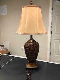 Beautiful like new Table Lamp Jessup, 20794
