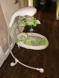 Baby swing very good condition  null, 11385