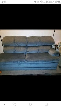 Couch with hide a bed  South Ogden, 84403