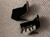Booties size 8 null