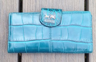 Authentic Coach Blue Turquoise Leather Croc Embossed Skinny Wallet.