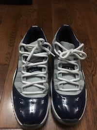 Georgetown low Jordan 11 Sz 10.5