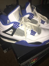 white-and-blue Air Jordan 4 shoes Bakersfield, 93304
