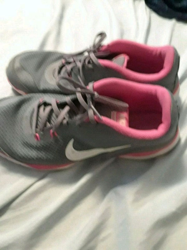 0dea85b509 Used Nike shoes size 9 for sale in New Philadelphia - letgo