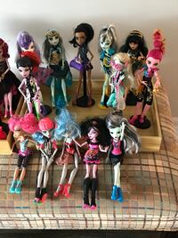 22 Monster High dolls and accessories Mississauga, L5M 2N6