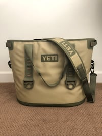 Mint condition YETI COOLER Poway, 92064