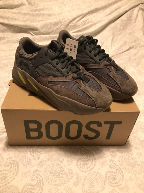 d4a94735a Used Yeezy 700 Mauve 9.5 for sale in New York - letgo