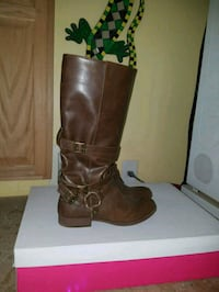 pair of slouchy buckled brown leather boots Woodbridge, 22193