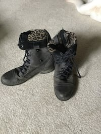 Betsy Johnson army lace up boots leopard lining women's size 7 Redmond, 98052