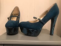 Blue G by GUESS platform heels Annandale, 22003