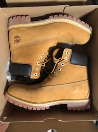 Timberland Boots - Tan- Brand New in Box - size 10 Vancouver, V5V 4X8
