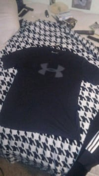 Under Armour T-shirt Large Springfield