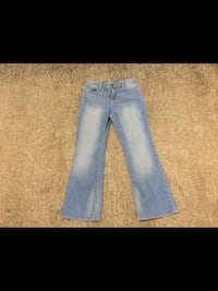Girls size 12 Gap Boot Cut Jeans! used once 535 km