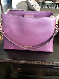 Micheal Kors almost brand new bag Surrey, V3X 0B2