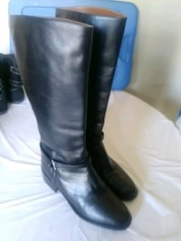 Womens black leather boots sz 10M Moore, 73160