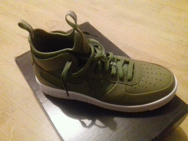 Nike air force 1 verte taille 45